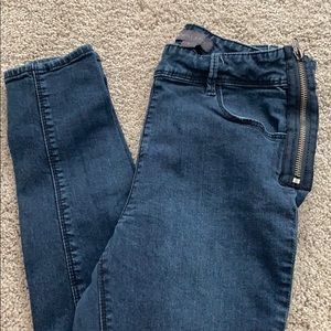 Kendall and Kylie High waisted Jeans